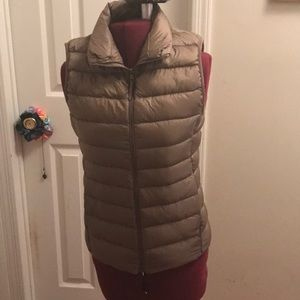 Uniqlo down new without tags winter vest
